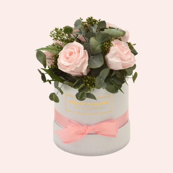 Roses in a box L Ø15 cm Bouquet-wit-box-lichtroze-rose