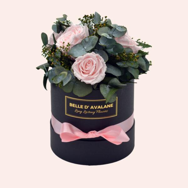 Roses in a box L Ø15 cm Bouquet-zwart-box-lichtroze-rose